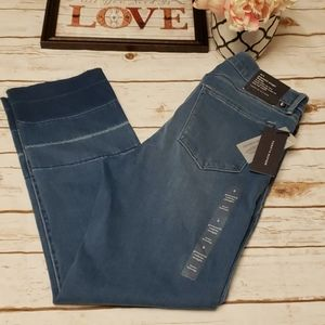 Tommy Hilfiger Greenwich Straight Midrise Jeans